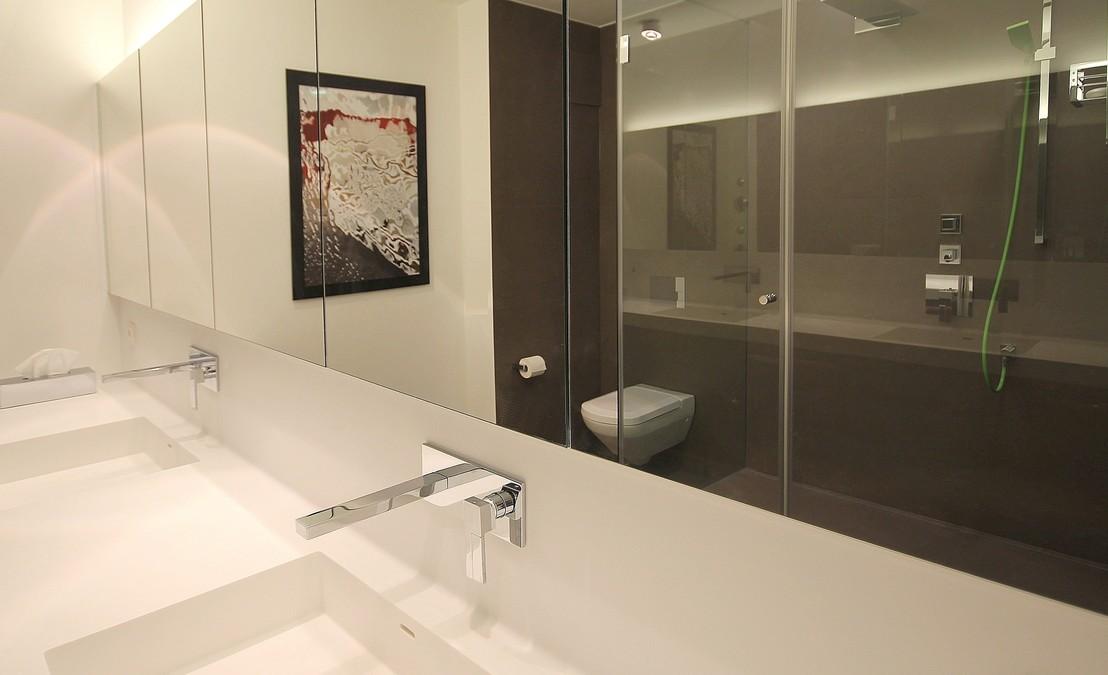 puristisches luxusbad innenarchitekt in m nchen. Black Bedroom Furniture Sets. Home Design Ideas