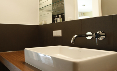 badezimmer eines appartements innenarchitekt in m nchen. Black Bedroom Furniture Sets. Home Design Ideas