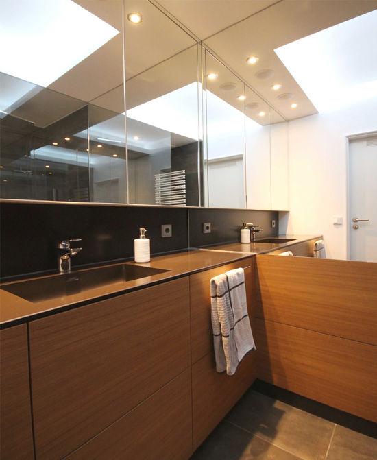 Badezimmer mit farbspiel innenarchitekt in m nchen for Badezimmer innenarchitekt
