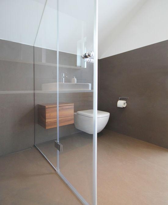 Duschbad mit dachschr ge innenarchitekt in m nchen for Badezimmer innenarchitekt