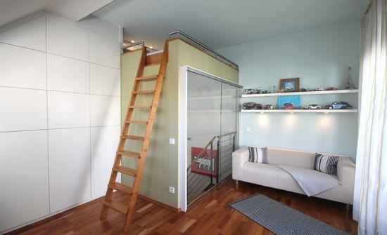 kinderzimmer mit hochbett innenarchitekt in m nchen andreas ptatscheck. Black Bedroom Furniture Sets. Home Design Ideas