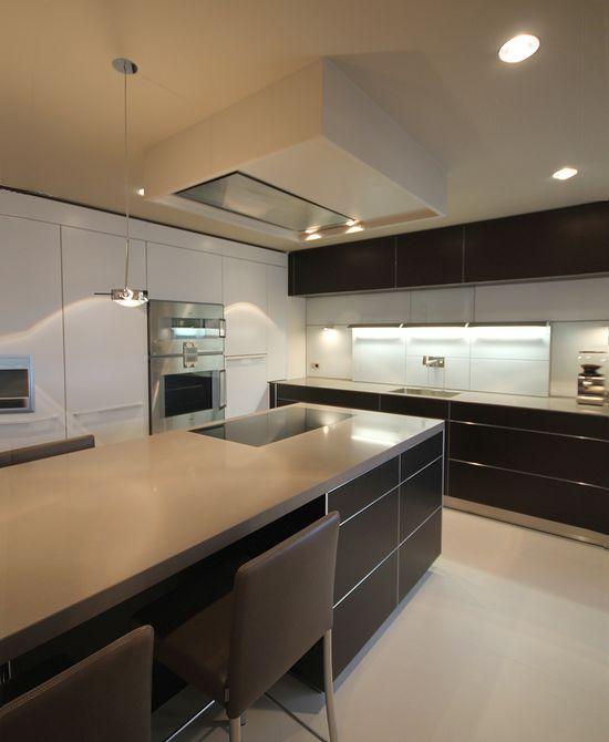 wohnk che mit kochinsel innenarchitekt in m nchen andreas ptatscheck. Black Bedroom Furniture Sets. Home Design Ideas