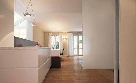 k che eines einfamilienhauses innenarchitekt in m nchen andreas ptatscheck. Black Bedroom Furniture Sets. Home Design Ideas