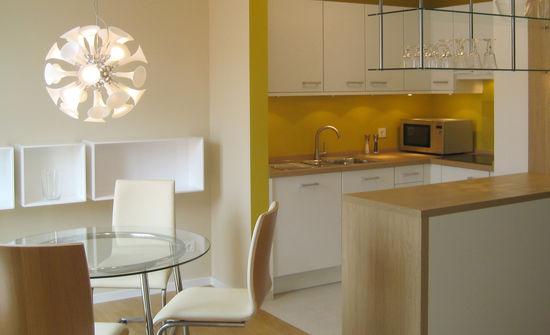 essplatz einer kleinen wohnung innenarchitekt in m nchen andreas ptatscheck. Black Bedroom Furniture Sets. Home Design Ideas