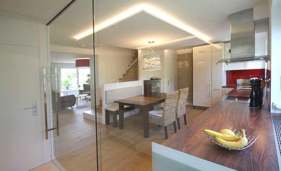 speisebereich in einem reihenhaus innenarchitekt in. Black Bedroom Furniture Sets. Home Design Ideas