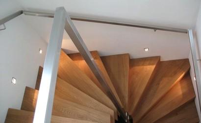 treppe als objekt im raum innenarchitekt in m nchen andreas ptatscheck. Black Bedroom Furniture Sets. Home Design Ideas