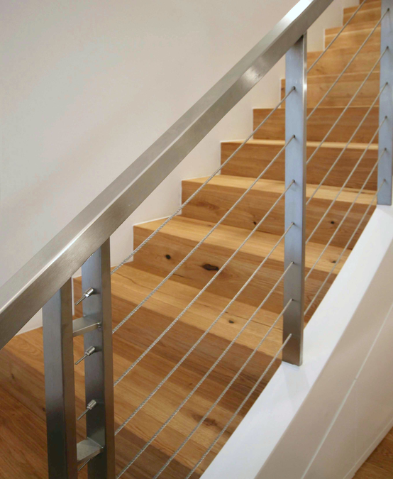treppe in einer maisonettewohnung innenarchitekt in. Black Bedroom Furniture Sets. Home Design Ideas