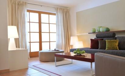 Wohnbereich in einem landhaus innenarchitekt in m nchen for Innenarchitekt werden