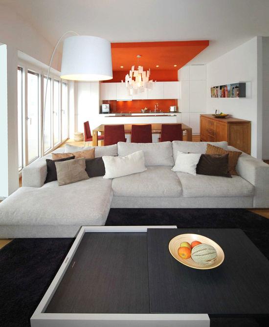 Wohnbereich einer maisonetteswohnung innenarchitekt in for Was ist ein innenarchitekt
