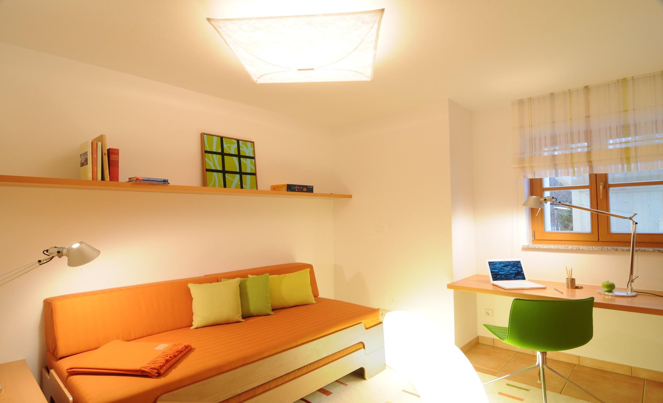 Deko idee wohnzimmer eiche bianco for Kinderzimmer querklappbett